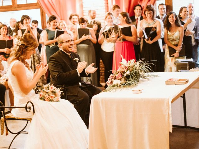 La boda de Víc y Cel en San Juan Mozarrifar, Zaragoza 42