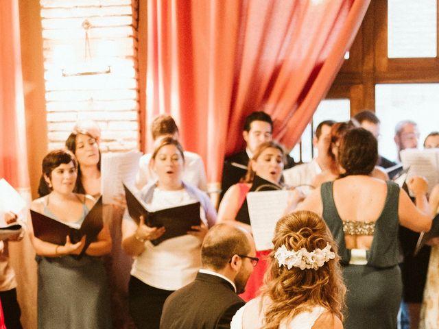 La boda de Víc y Cel en San Juan Mozarrifar, Zaragoza 32