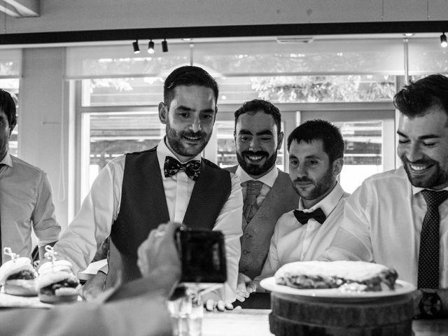 La boda de Joselu y Gonzalo en Mungia, Vizcaya 37