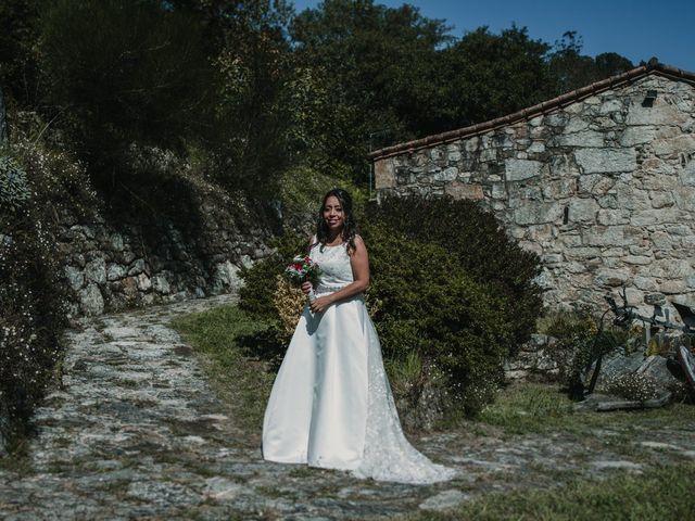 La boda de Miguel y Carolina en Boiro (Boiro), A Coruña 21