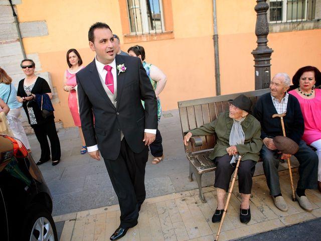 La boda de Juan y Pilar en Mansilla De Las Mulas, León 7
