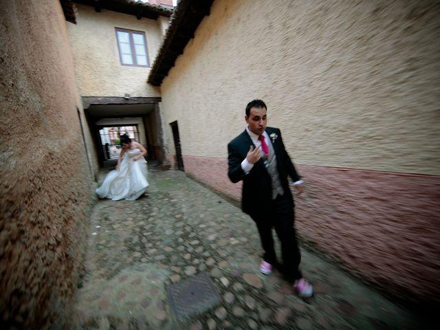 La boda de Juan y Pilar en Mansilla De Las Mulas, León 16