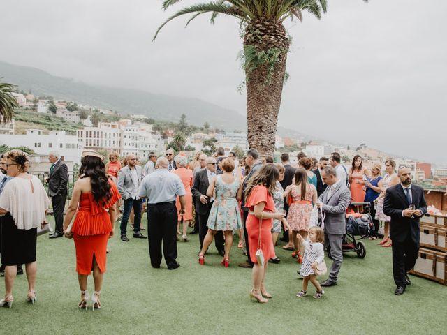 La boda de Emilio y Fabiola en La Victoria De Acentejo, Santa Cruz de Tenerife 19