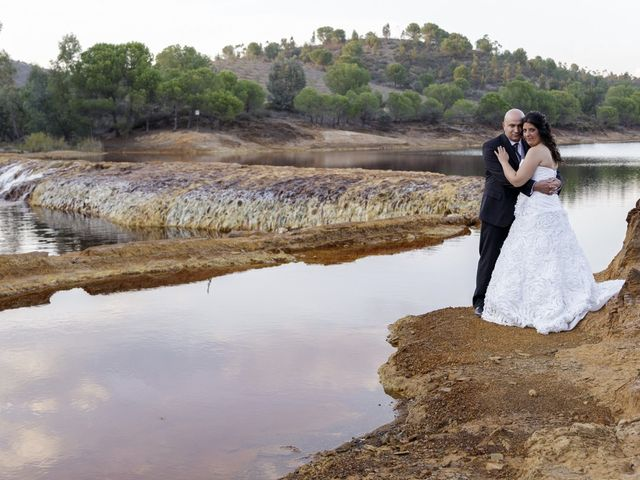 La boda de Manuel y Mariló en Huelva, Huelva 35