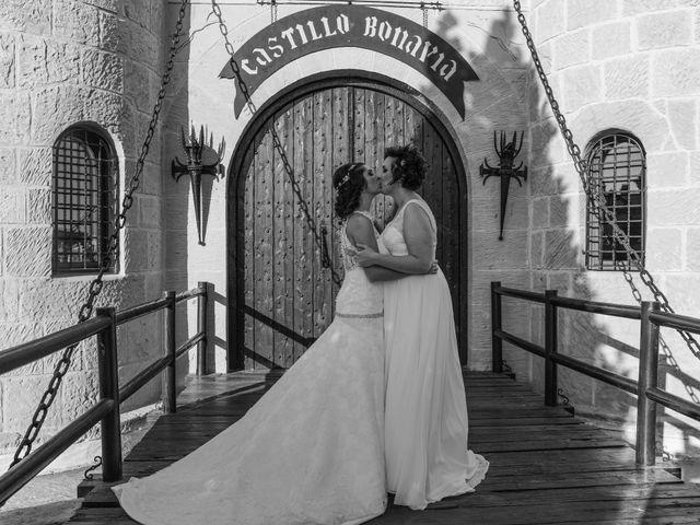 La boda de Marta y Tamara en Pedrola, Zaragoza 38