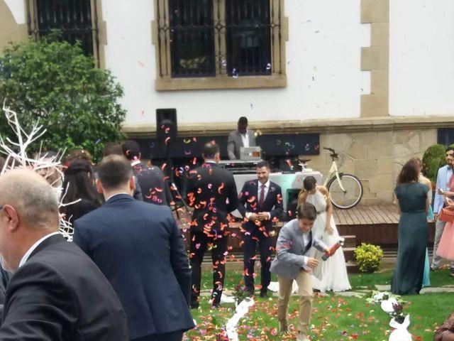 La boda de Iñigo  y Susana  en Andra Mari-Getxo, Vizcaya 8