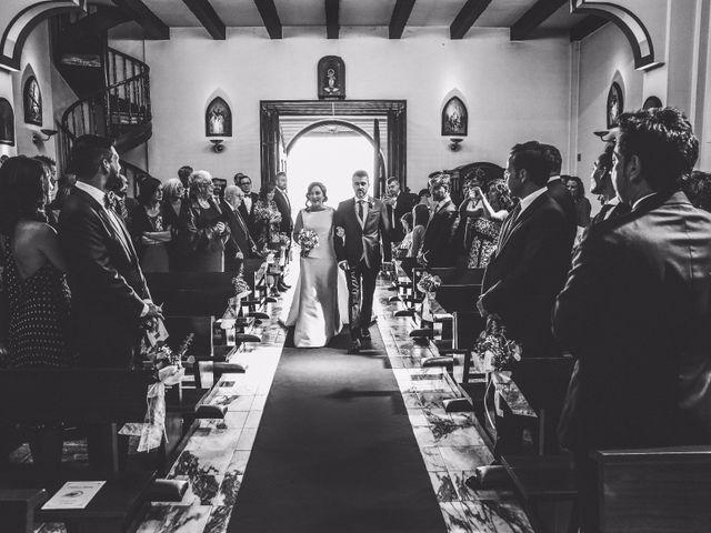 La boda de Antonio y María en Oviedo, Asturias 14
