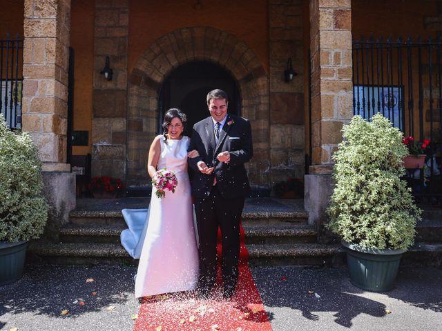 La boda de Antonio y María en Oviedo, Asturias 18