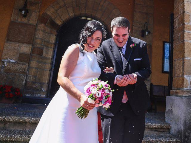 La boda de Antonio y María en Oviedo, Asturias 19