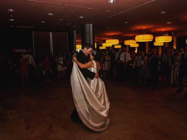 La boda de Antonio y María en Oviedo, Asturias 23