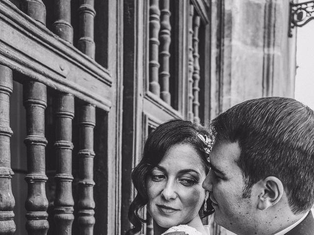 La boda de Antonio y María en Oviedo, Asturias 30