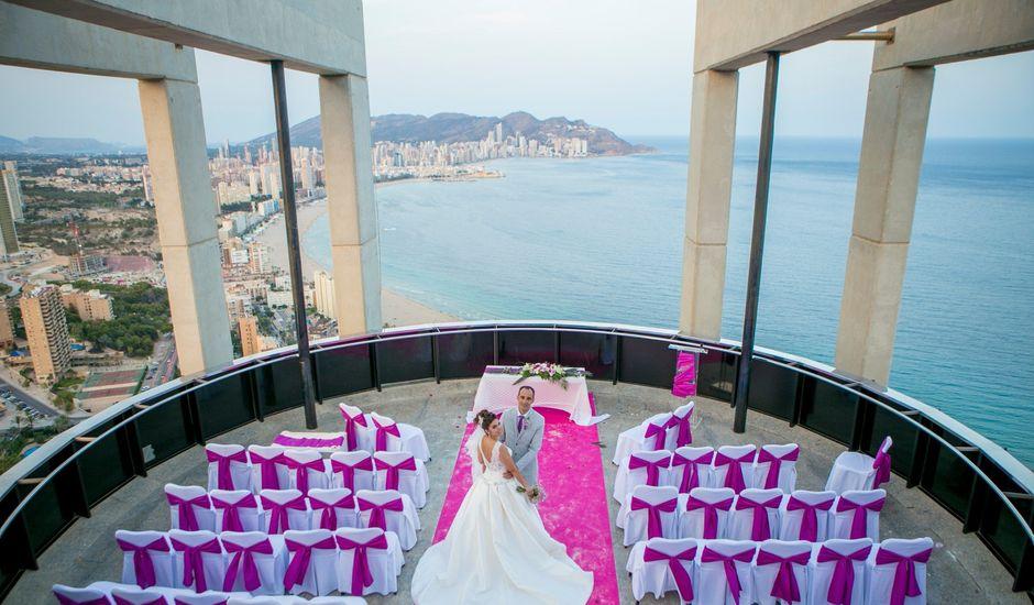 La boda de Rayco y Yaiza  en Benidorm, Alicante