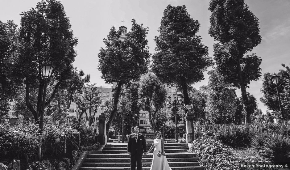 La boda de Antonio y María en Oviedo, Asturias