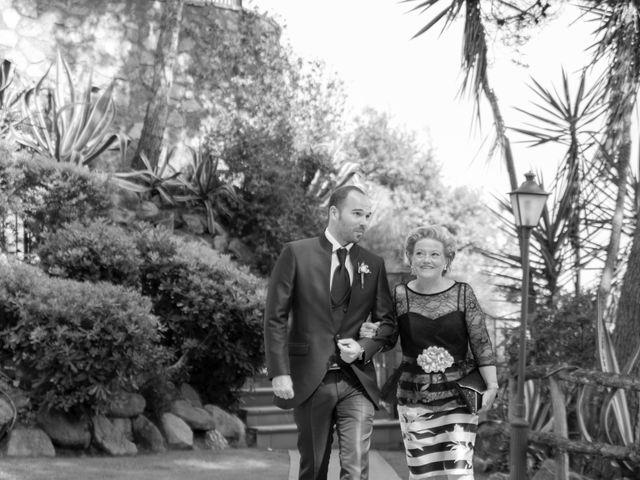 La boda de Xavi y Lisi en Platja D'aro, Girona 24