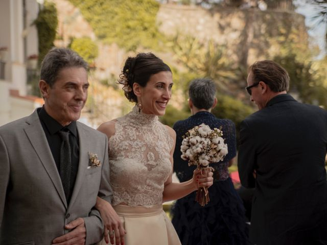 La boda de Xavi y Lisi en Platja D'aro, Girona 25