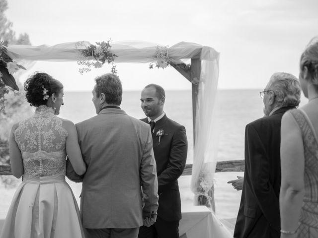 La boda de Xavi y Lisi en Platja D'aro, Girona 28