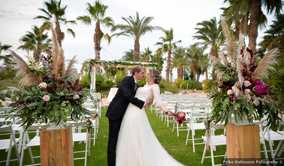 La boda de David y Laura en La Pineda, Tarragona