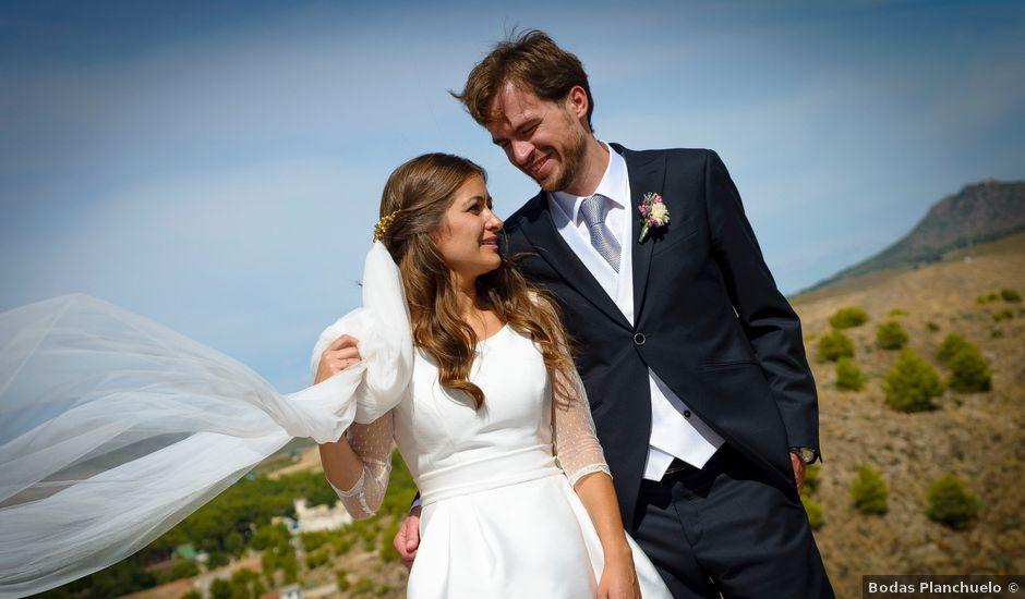 La boda de Carlos y Pilar en Tobarra, Albacete