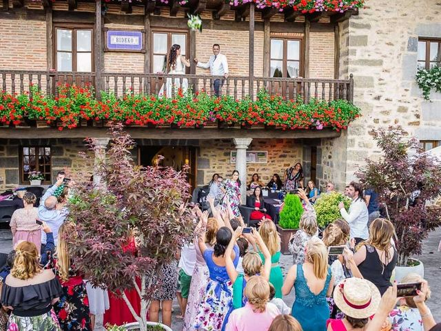 La boda de Mikel y Miren en Lezama, Álava 41