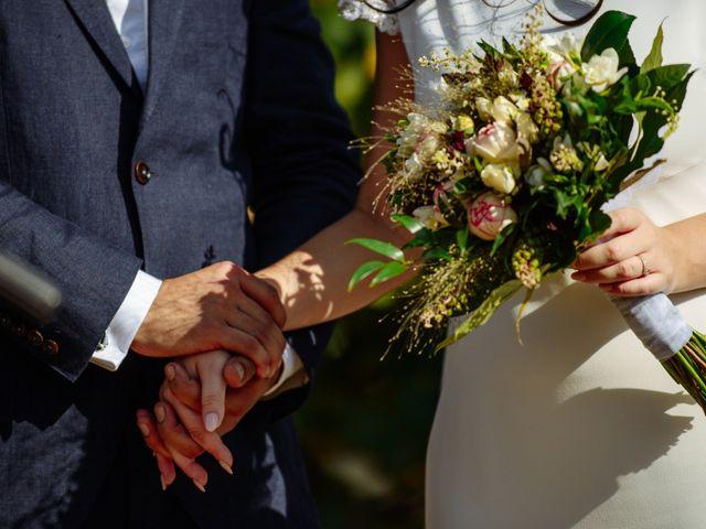 La boda de Gal y Agnes en Sant Cugat Sesgarrigues, Barcelona 34