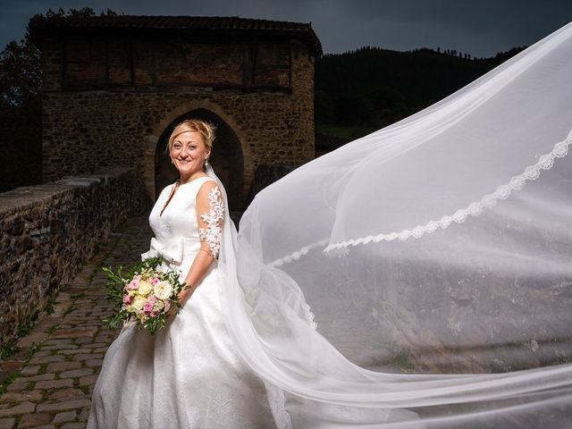 La boda de Rober y Vanessa en Balmaseda, Vizcaya 35