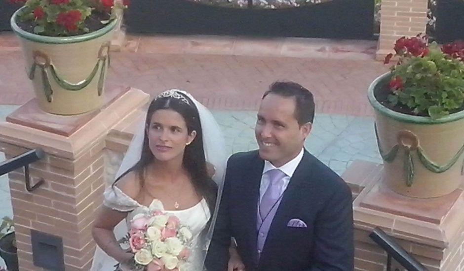 La boda de Carlos y Guadalupe en Torremolinos, Málaga