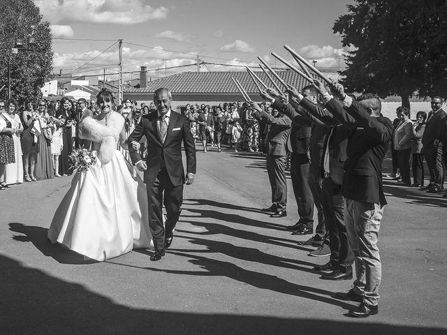 La boda de Manolo y Mary en Peñaranda De Bracamonte, Salamanca 9