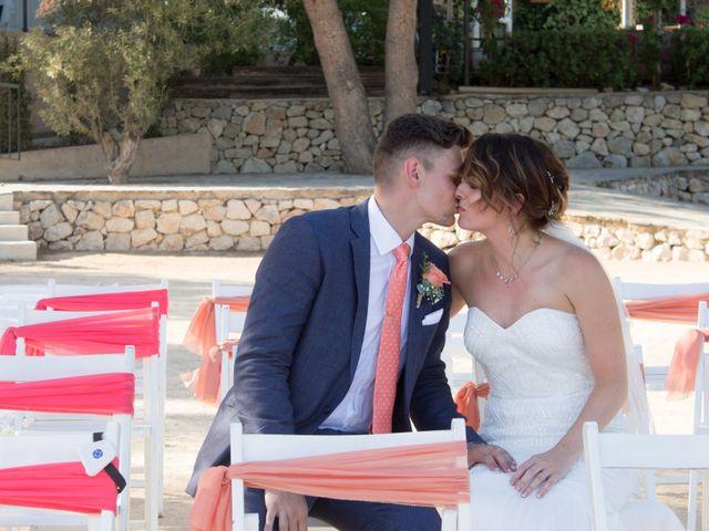La boda de Liam y Joanne en Altea, Alicante 15