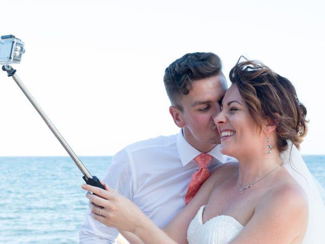 La boda de Liam y Joanne en Altea, Alicante 42