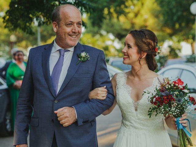 La boda de Quini y Melania en Badajoz, Badajoz 19