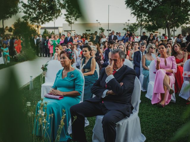 La boda de Quini y Melania en Badajoz, Badajoz 29