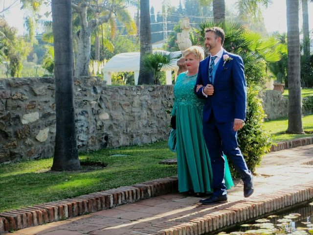 La boda de Rafael y Verónica  en Fuengirola, Málaga 1