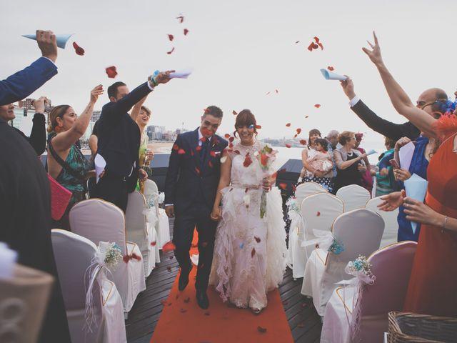 La boda de Jorge y Noelia en Gijón, Asturias 35