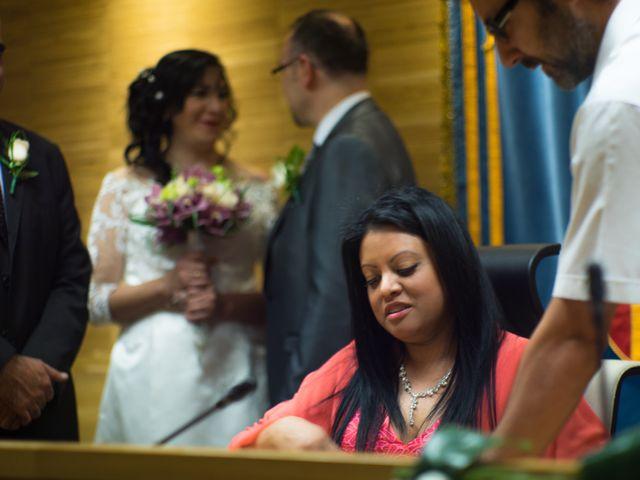 La boda de Javier y Claudia en Getafe, Madrid 24