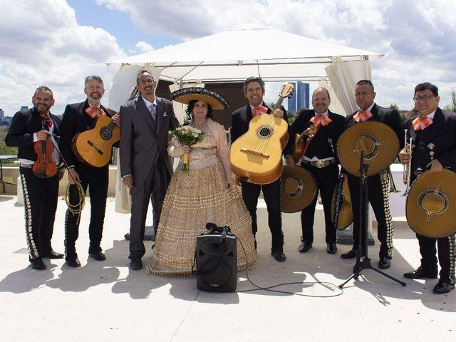 La boda de Carlos  y Julia  en Madrid, Madrid 2