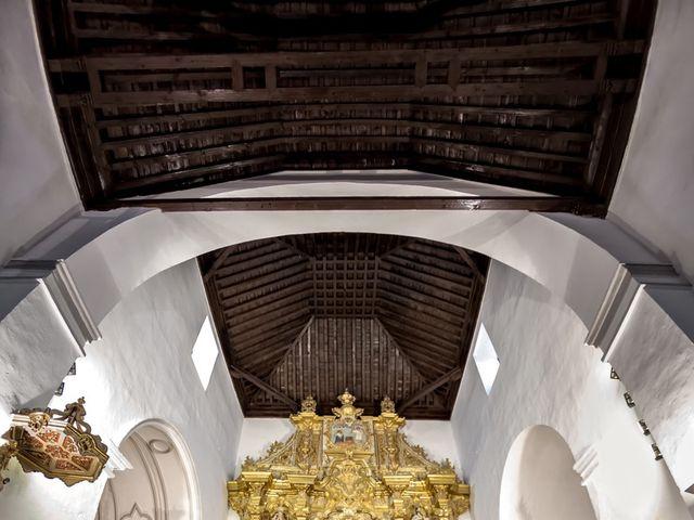 La boda de Moisés y Amparo en Granada, Granada 27