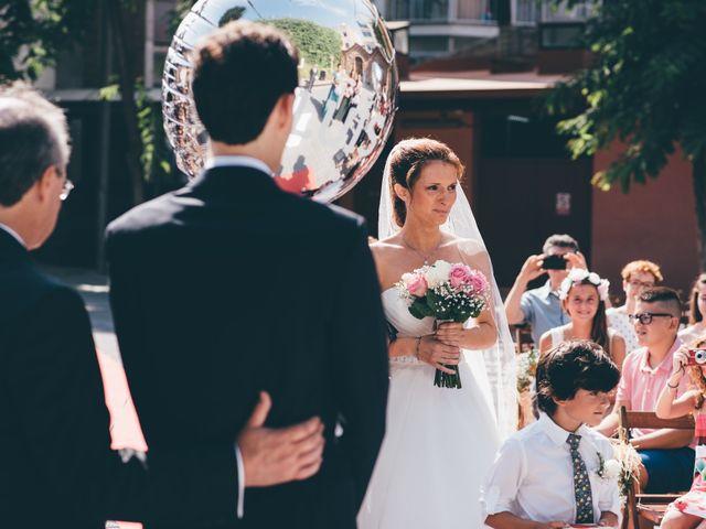 La boda de Lluís y Laura en Molins De Rei, Barcelona 1