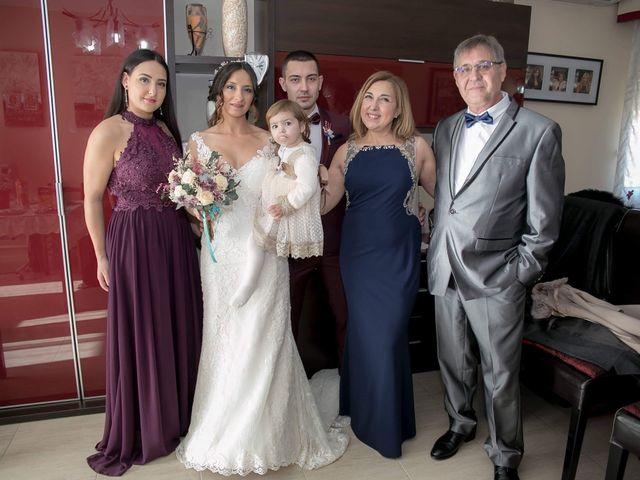 La boda de Alejandro y Lorena en Torredembarra, Tarragona 23
