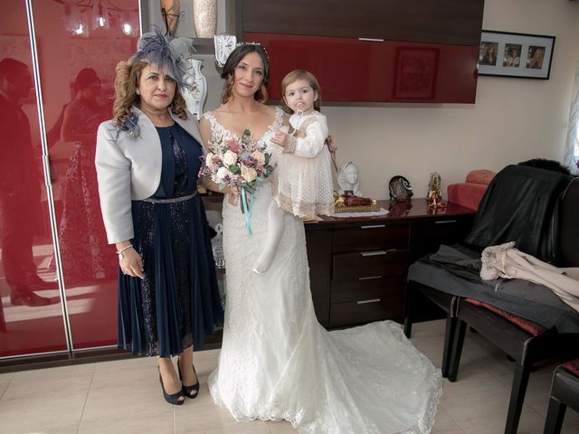 La boda de Alejandro y Lorena en Torredembarra, Tarragona 24