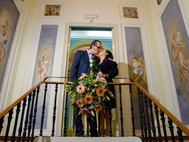 La boda de Javier y Olga en El Puig, Valencia 6