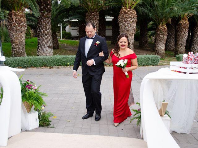 La boda de Javier y Olga en El Puig, Valencia 18