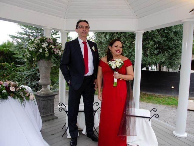 La boda de Javier y Olga en El Puig, Valencia 22