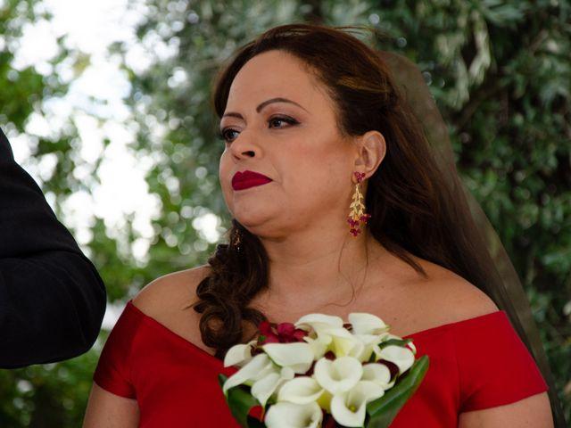 La boda de Javier y Olga en El Puig, Valencia 23