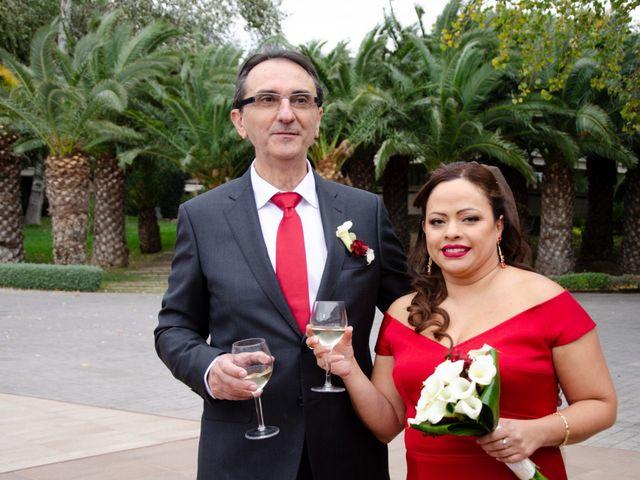 La boda de Javier y Olga en El Puig, Valencia 26
