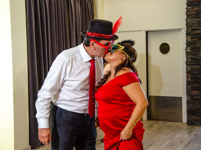 La boda de Javier y Olga en El Puig, Valencia 33