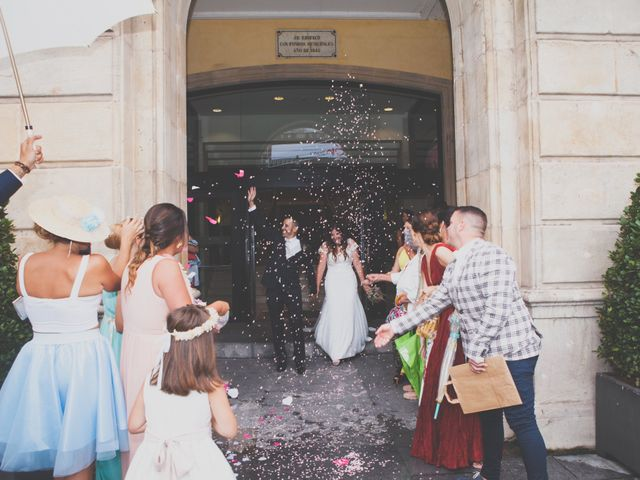 La boda de Daniel y Yaiza en Granda (Gijon), Asturias 25