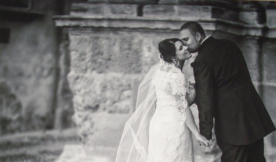 La boda de Juan  y Zoraida en Carmona, Sevilla