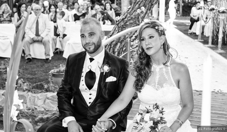 La boda de Javier y Sara en Madrid, Madrid
