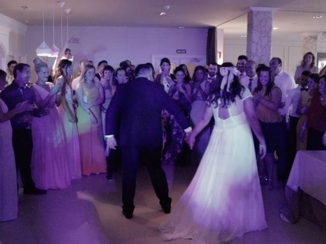 La boda de Quino y Raquel en Getxo, Vizcaya 32
