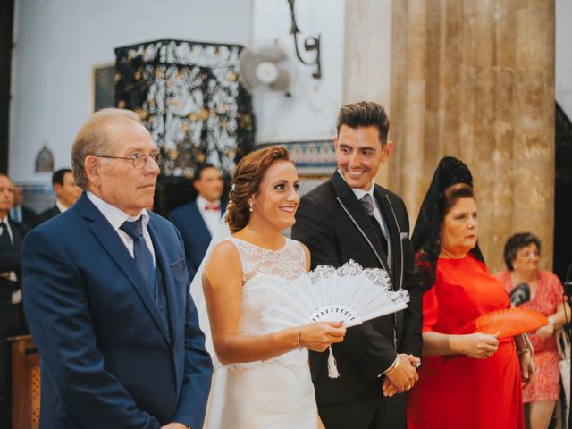 La boda de Jose Antonio y Rocio en Lora Del Rio, Sevilla 27